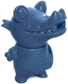 Pocket Mummy Gator - SDCC 10 Unpainted Blue figure by Brian Flynn, produced by Super7. Front view.