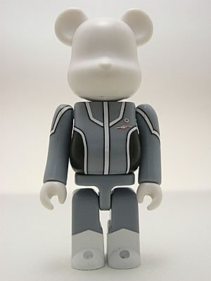 Ultr@ Keibitai - Ultr@ Be@rbrick 100%  figure, produced by Medicom Toy. Front view.