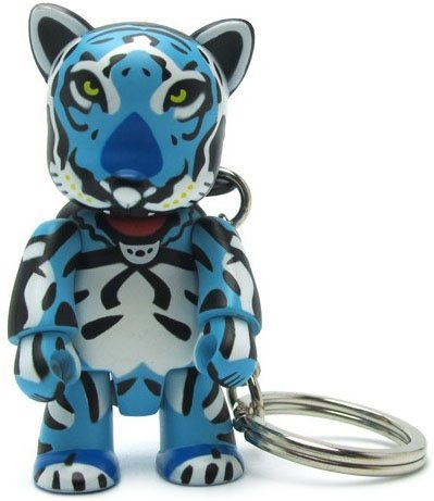 Tiger Qee figure by Isobel Manning, produced by Toy2R. Front view.