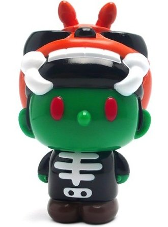 Skullbeetan Halloween Green figure by Convex, produced by Secret Base. Front view.