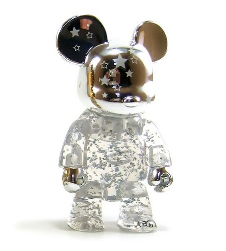 2.5 Qee Silver Shining Star Bear figure by Raymond Choy, produced by Toy2R. Front view.