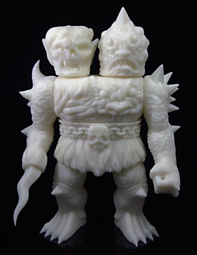 Krawluss, the 2-headed creature of doom figure by Lash X Skinner, produced by Mutant Vinyl Hardcore. Front view.
