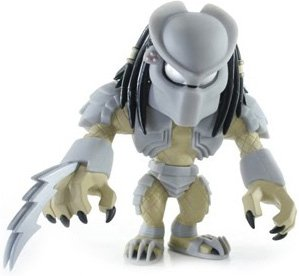 Predator - AVP figure by Touma, produced by Toumart. Front view.