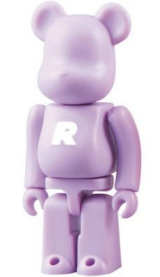 Basic Be@rbrick Series 18 - R figure, produced by Medicom Toy. Front view.