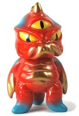 Mini TriPus - TAG Exclusive figure by Mark Nagata, produced by Max Toy Co.. Front view.