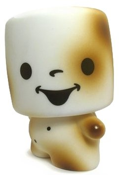 Toasted Marshall figure by 64 Colors, produced by Rotofugi. Front view.