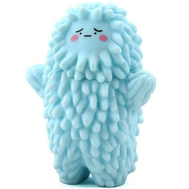 Baby Treeson Blue figure by Bubi Au Yeung, produced by Crazylabel. Front view.