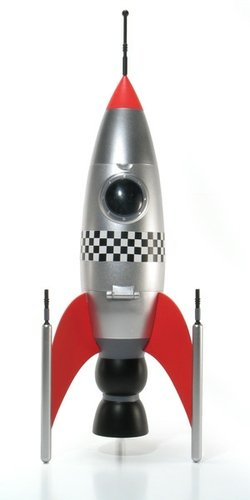 Rocketship - Classic Silver figure by Patrick Ma, produced by Rocketworld. Front view.