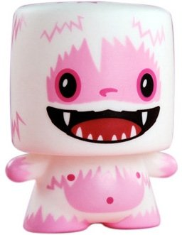 Love Yeti figure by 64 Colors, produced by Squibbles Ink + Rotofugi. Front view.