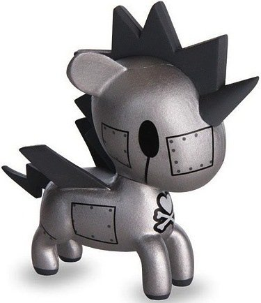 Metallo figure by Simone Legno (Tokidoki), produced by Tokidoki. Front view.