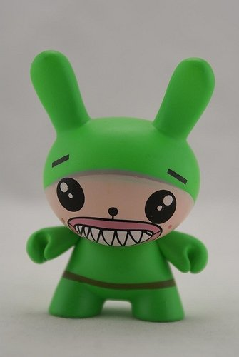 Sharp Teeth Green figure by Dalek, produced by Kidrobot. Front view.