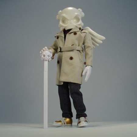 Marc Jacobs figure by Huck Gee, produced by Kidrobot X Barneys New York. Front view.