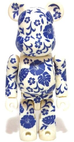 Secret Pattern Be@rbrick Series 4 figure, produced by Medicom Toy. Front view.