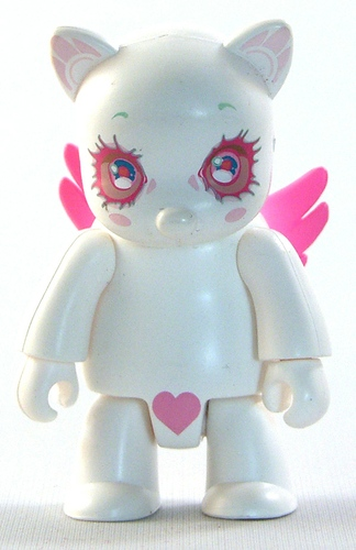 Skydoll Qee White