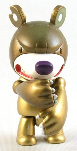 Knuckle Bear Gold figure by Touma, produced by Toy2R. Front view.