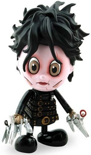 Edward Scissorhands (Regular Ver.) figure by Tim Burton, produced by Hot Toys. Front view.
