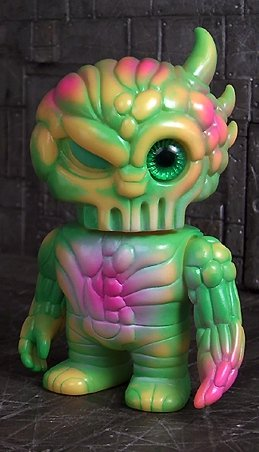 Vegibrain Pheyaos Mini figure by Realxhead X Onell Design, produced by Realxhead. Front view.