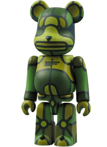 X-LARGE x Flores Be@rbrick - 100% figure by David Flores, produced by Medicom Toy. Front view.