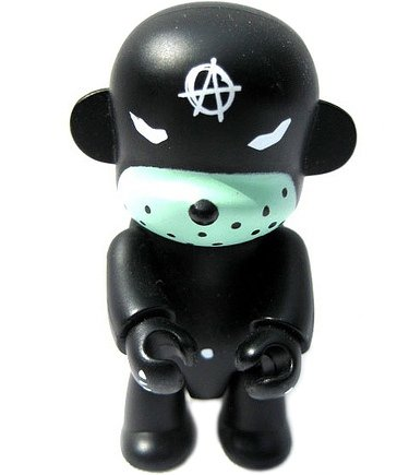 Anarchy Qee figure by Frank Kozik, produced by Toy2R. Front view.