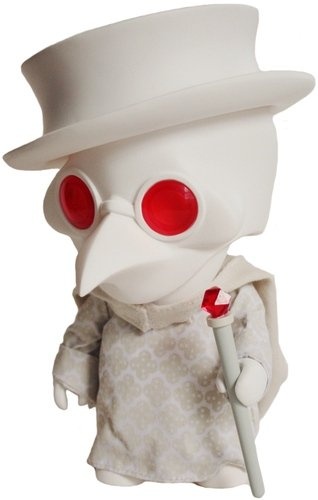 Playge Doctor - Albino figure by Ferg, produced by Playge. Front view.