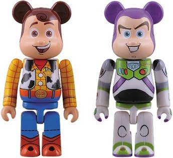 Buzz & Woody Be@rbrick 100% 2 pack figure by Disney, produced by Medicom Toy. Front view.
