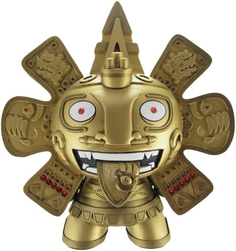 Calendario Aztec 8 - Gold  figure by The Beast Brothers, produced by Kidrobot. Front view.