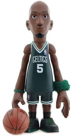 Kevin Garnett - Green figure by Coolrain, produced by Mindstyle. Front view.