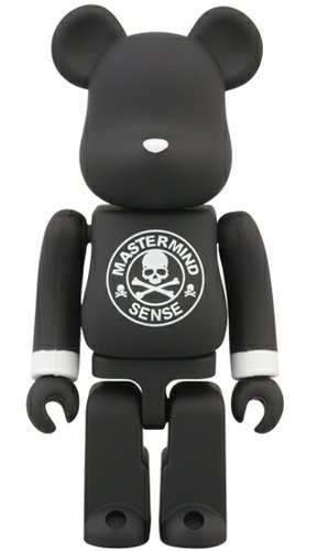 mastermind JAPAN × SENSE Be@rbrick 100% figure by Mastermind Japan, produced by Medicom Toy. Front view.