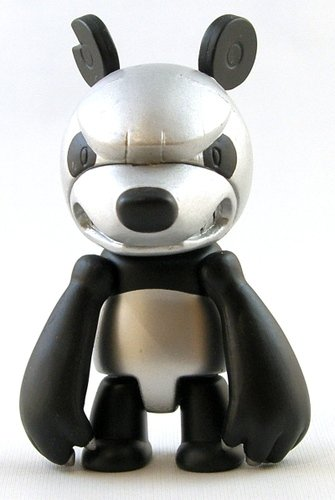 Silver Panda figure by Touma, produced by Toy2R. Front view.