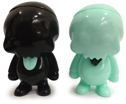 Young Gohst (Minty & Dark Choco) Mintyfresh Exclusive figure by Ferg X Grody Shogun, produced by Lulubell Toys. Front view.
