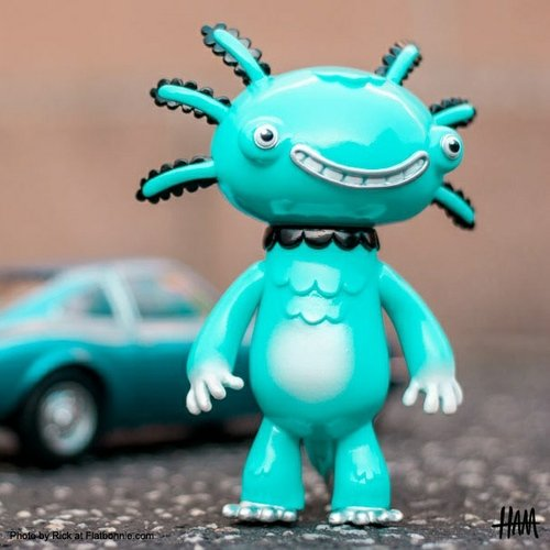 Wooper Looper (blue) figure by Gary Ham, produced by Super Ham Designs. Front view.