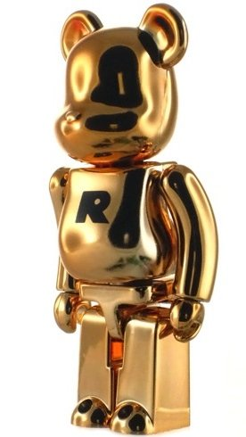 Basic Be@rbrick Series 15 - R figure, produced by Medicom Toy. Front view.