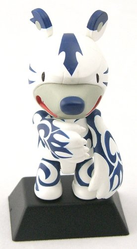 Tattoo Blue figure by Touma, produced by Toy2R. Front view.