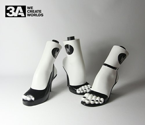 Set of three delicious severed feet - positive 3AA figure by Ashley Wood, produced by Threea. Front view.