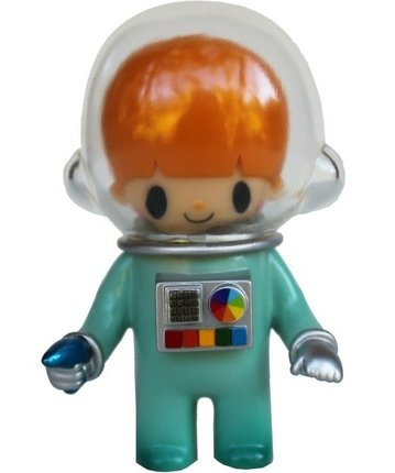 Astronaut Sofubi figure by Itokin Park. Front view.