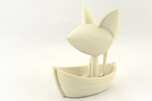 Moon Fox figure by Sergey Safonov. Front view.