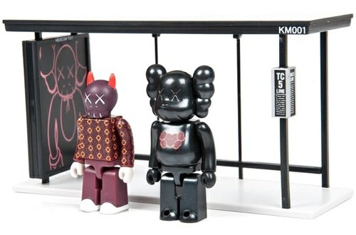 KAWS Bus Stop Kubrick - Set 1  figure by Kaws, produced by Medicom Toy. Front view.