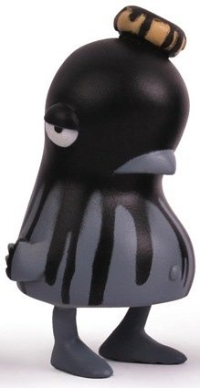 Sluggy P - Black figure by Nevercrew. Front view.