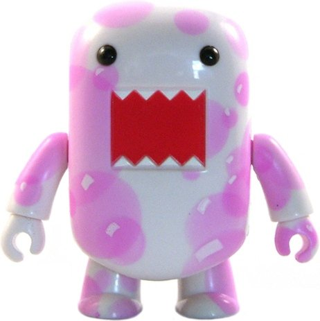 Pink Bubbles Chase Domo Qee figure by Dark Horse Comics, produced by Toy2R. Front view.