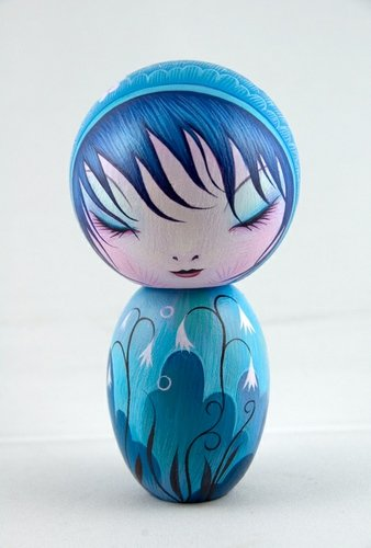 Another Moment figure by Jeremiah Ketner. Front view.