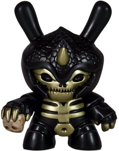 Chimamire No Akumu - Black/Gold figure by Artmymind. Front view.