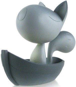 Moon Cat figure by Sergey Safonov. Front view.