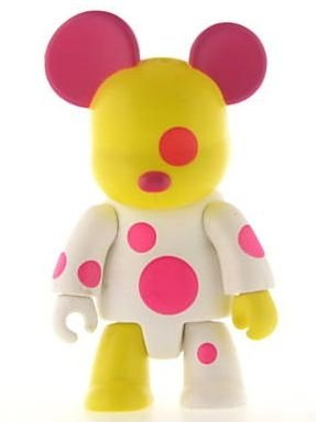 Luana Bear figure by Sasha Huber Shy, produced by Toy2R. Front view.