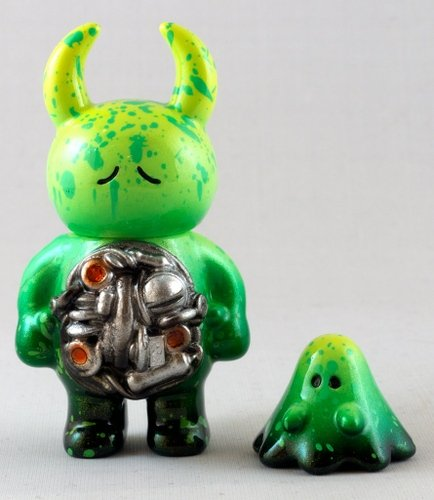 Mechavirus Green Mecha Uamou & Boo figure by Mechavirus, produced by Uamou. Front view.