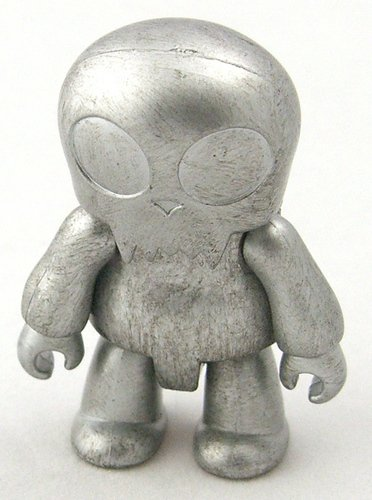 Silver Toyer figure, produced by Toy2R. Front view.
