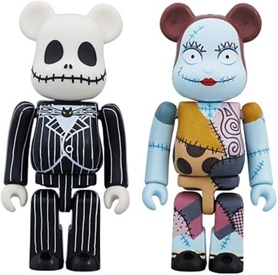 Jack Skellington & Sally Be@rbrick 100% 2 Pack figure by Disney, produced by Medicom Toy. Front view.