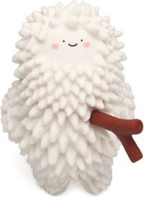 Treeson figure by Bubi Au Yeung, produced by Crazylabel. Front view.