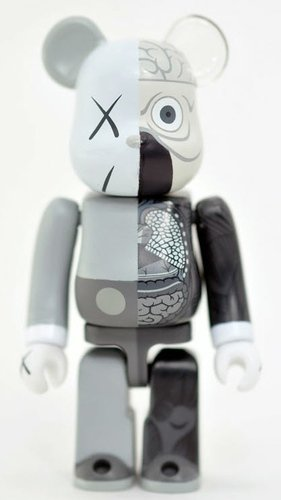 Dissected Companion Be@rbrick 100% - Mono figure by Kaws, produced by Medicom Toy. Front view.