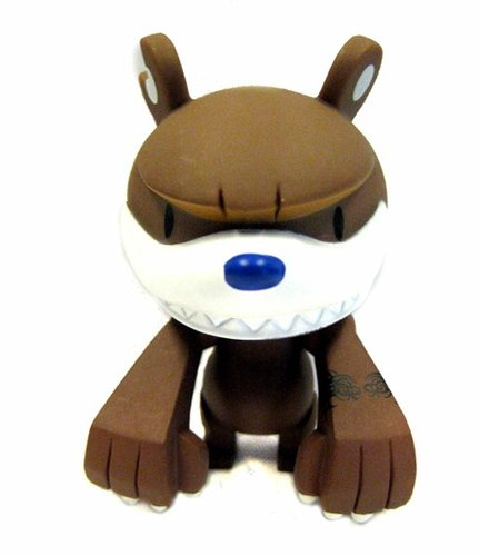 Knuckle Bear Jr. figure by Touma, produced by Play Imaginative. Front view.