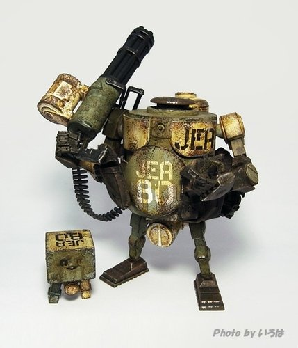 Marine JEA Bramble Mk 2 figure by Ashley Wood, produced by Threea. Front view.